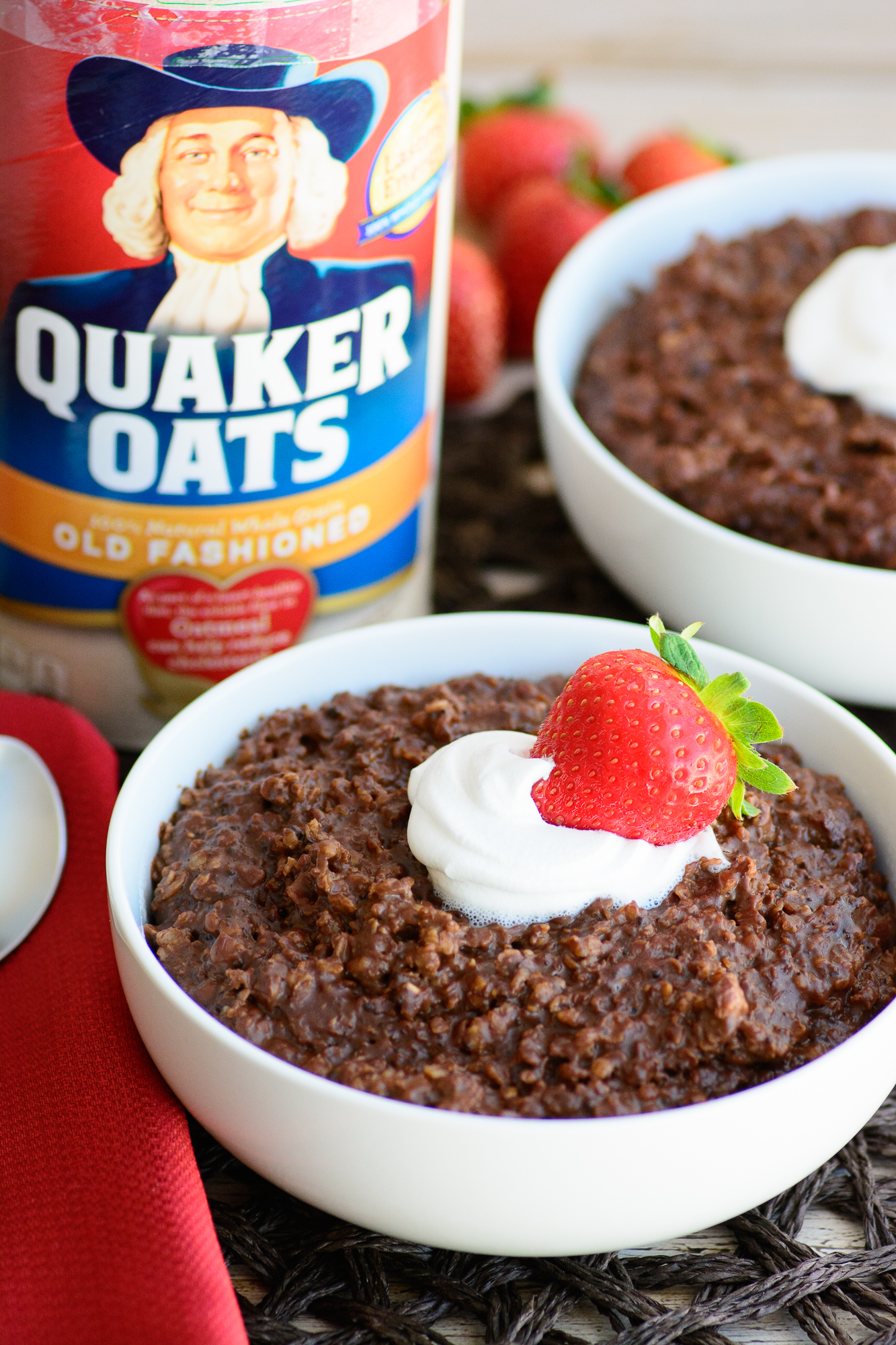 Sometimes you just want to eat dessert for breakfast. Get your wish with this protein-packed and filling double chocolate oatmeal!