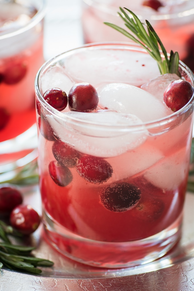 cranberry-fizz-cocktail-recipe-3
