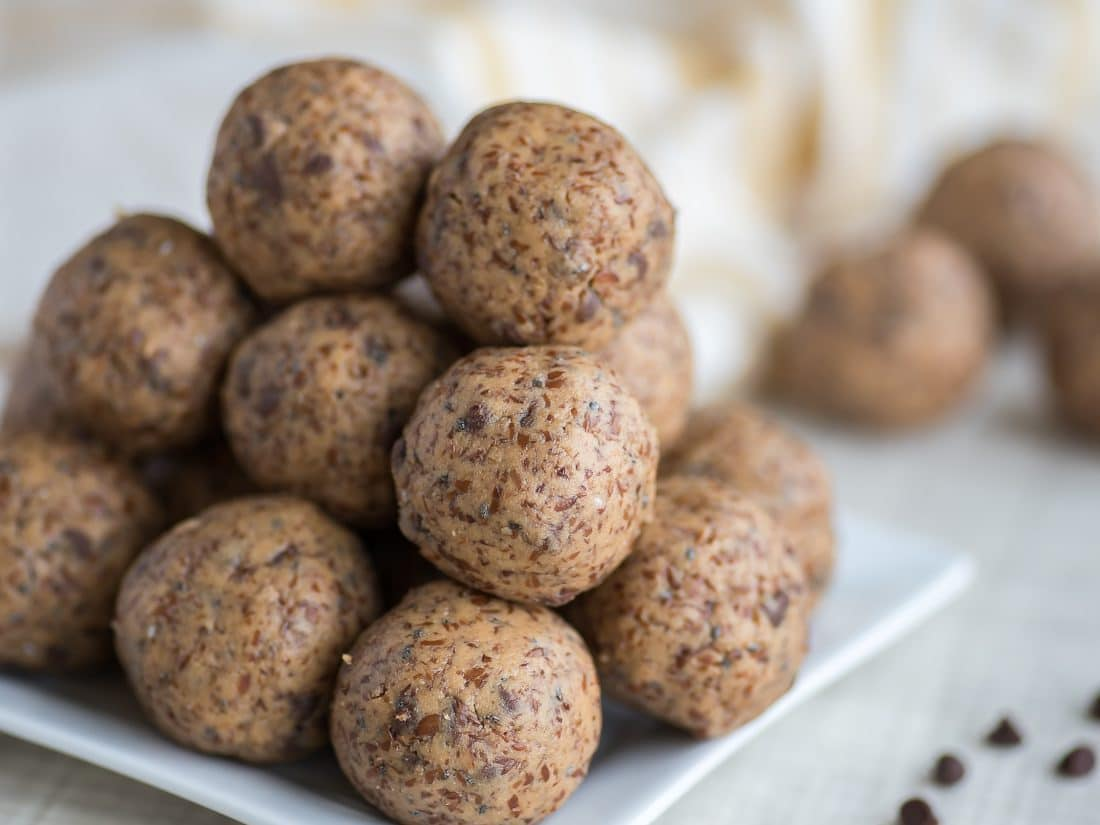 Healthy Chocolate Chip Cookie Dough Balls