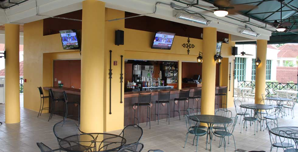 star-island-resort-kissimmee-florida-outdoor-bar