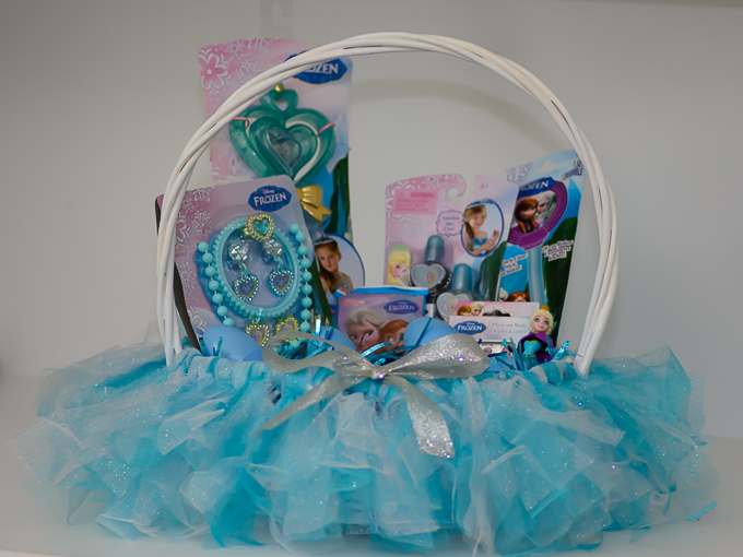 DIY FROZEN Easter Baskets