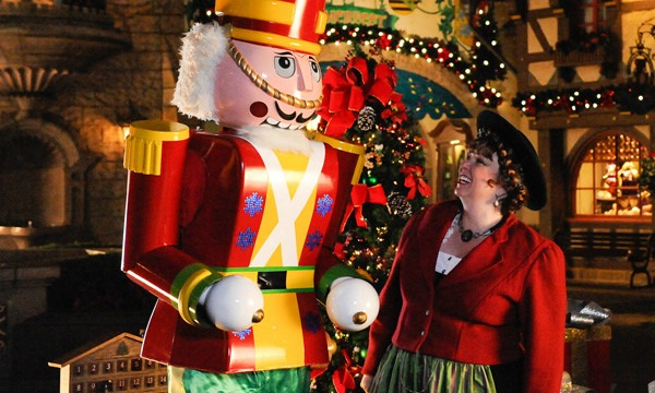 Christmas is a magical time of year no matter where you are, but if you happen to be in Orlando, or thinking about heading down there, you won't want to miss these festive events that will fill you with Christmas cheer!
