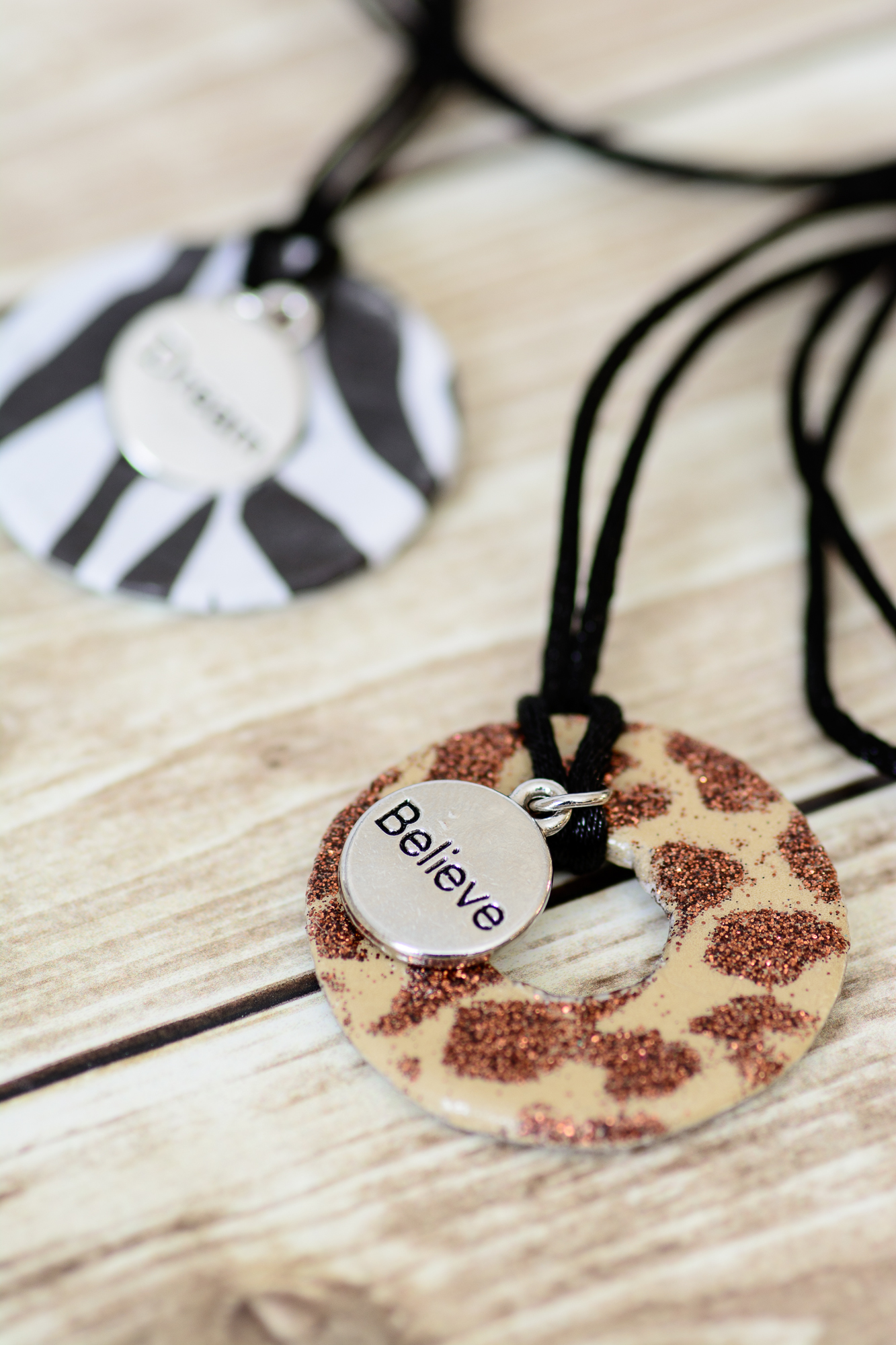 Zootopia Inspiration Necklace. A fun and easy Zootopia craft that kids and adults will love!