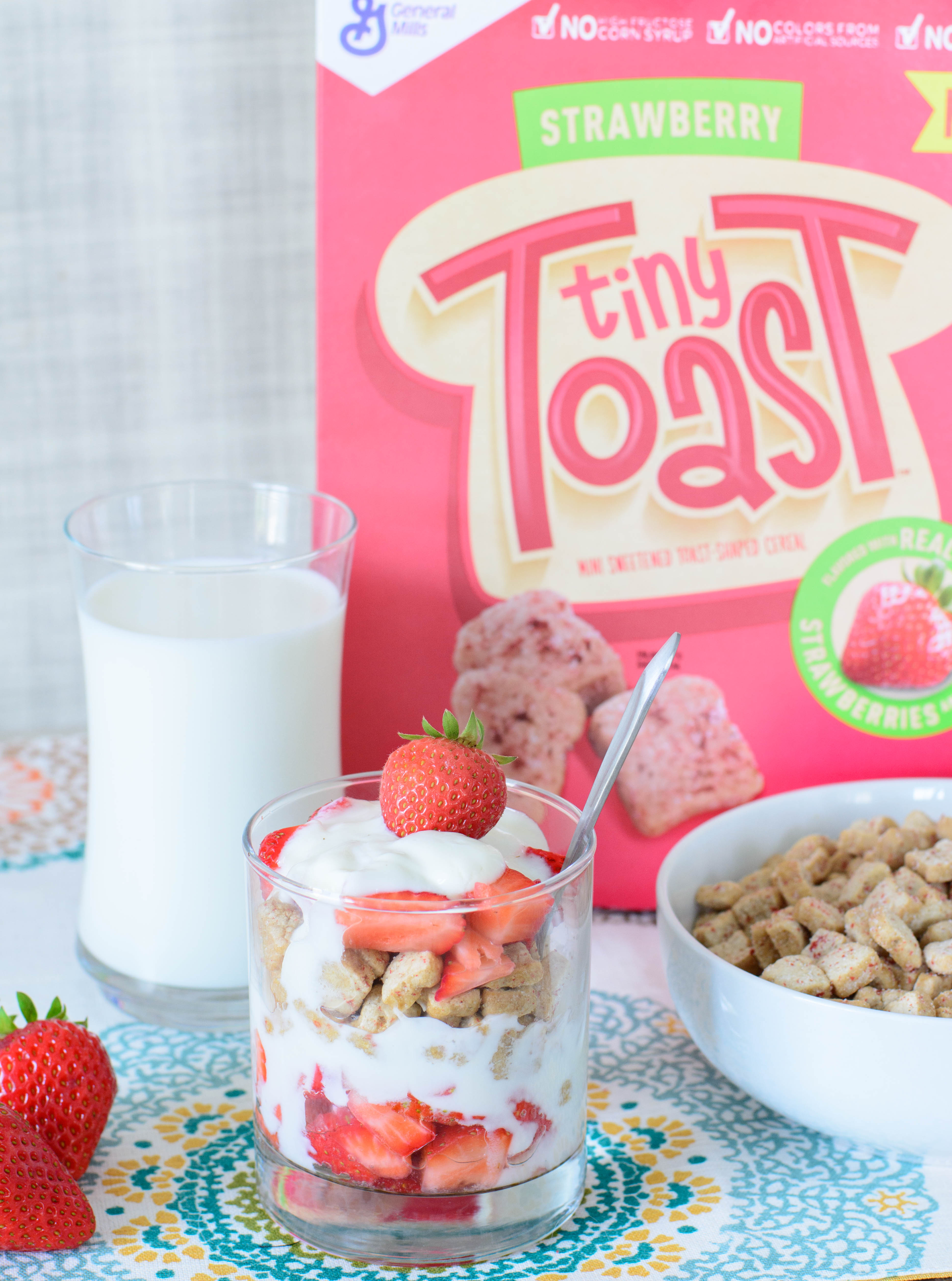 These delicious fruit, yogurt and cereal parfaits make a healthy breakfast or snack and are easy for kids to make themselves. Yum!!