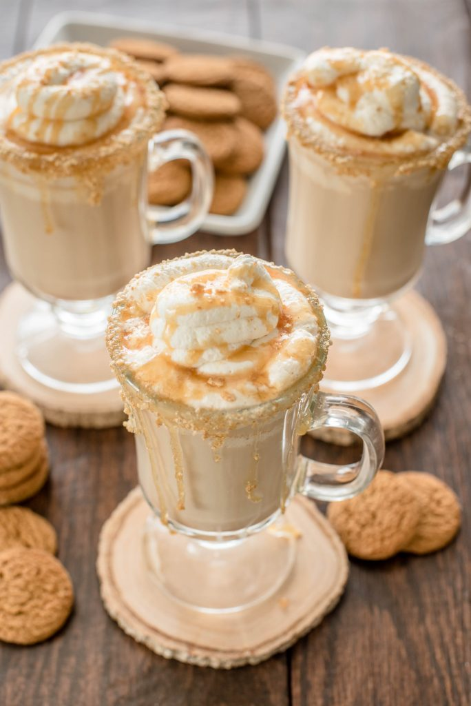 Delicious, Easy, Homemade Gingerbread Latte Recipe